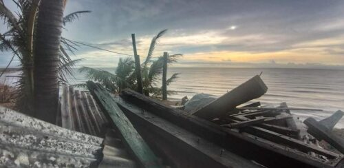 Sale el sol después del huracán IOTA en Puerto Cabezas zona de impacto